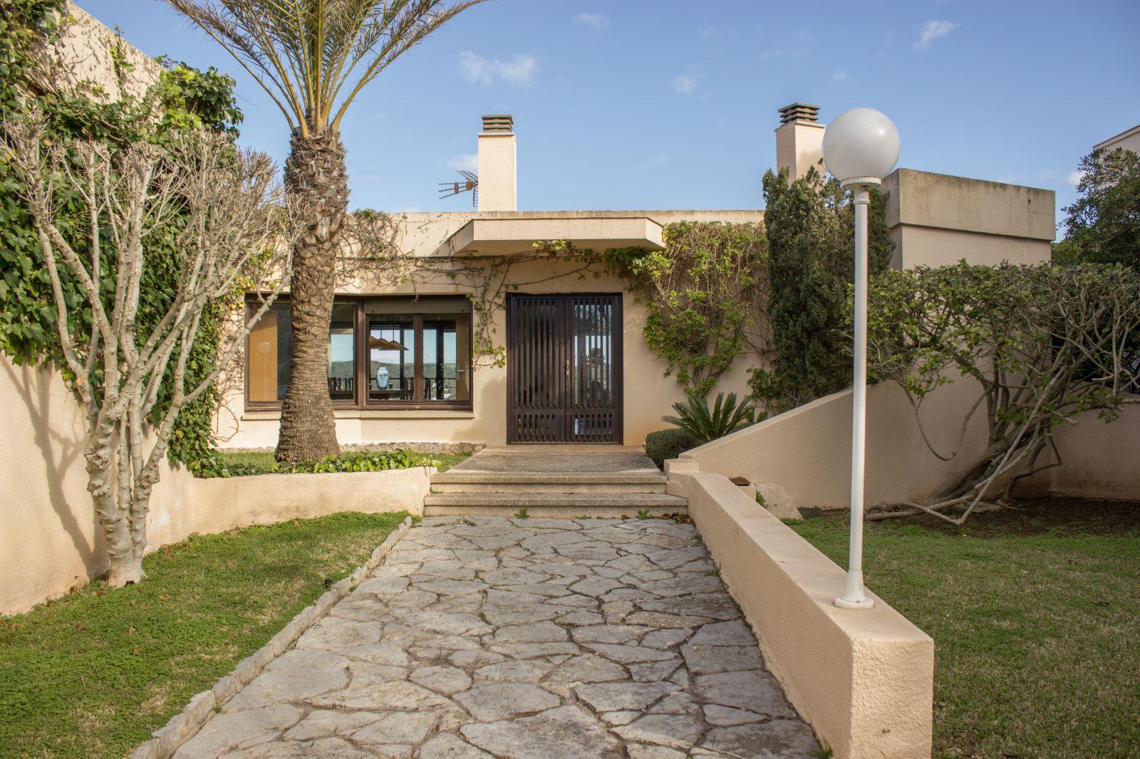 Villa in Es Castell Ref: SM2409 53