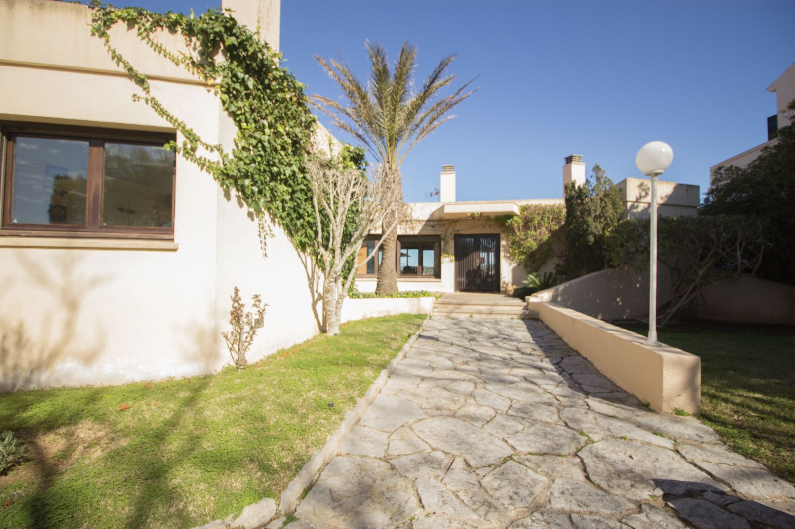 Villa in Es Castell Ref: SM2409 54