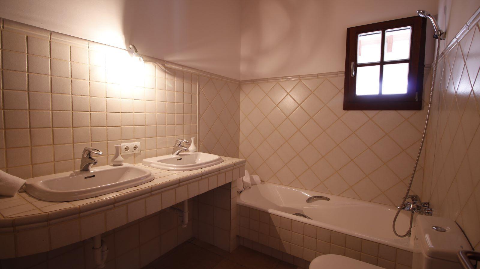 Villa in Cap d'en Font Ref: S2490 25