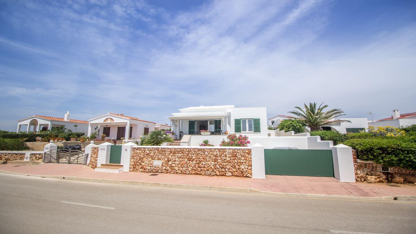 Villa in Arenal d'en Castell Ref: S2586 2