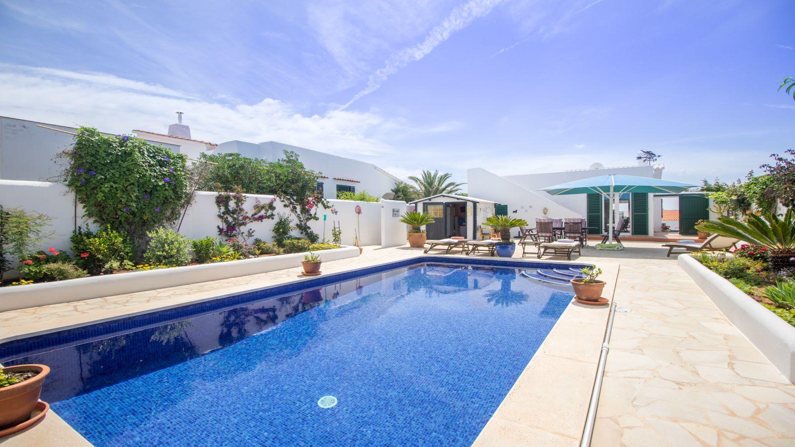 Villa in Arenal d'en Castell Ref: S2586 4