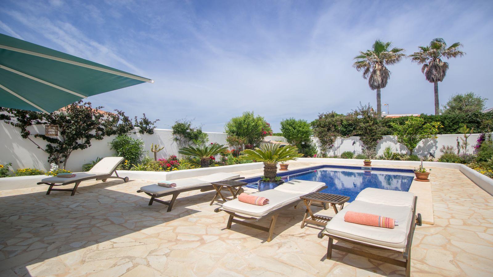 Villa in Arenal d'en Castell Ref: S2586 8