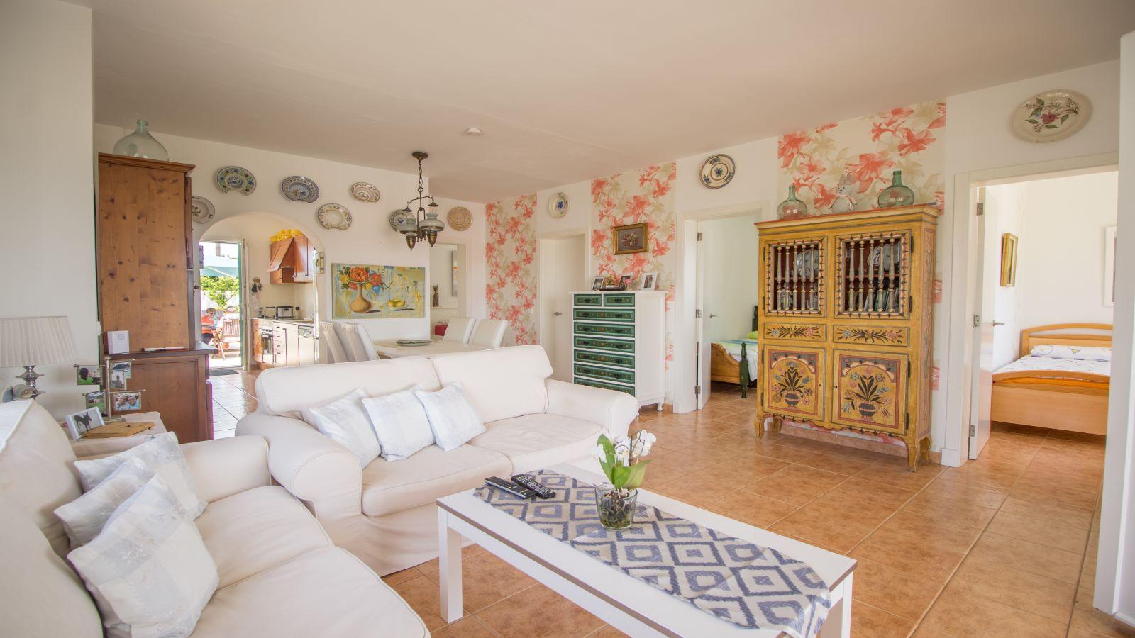Villa in Arenal d'en Castell Ref: S2586 17