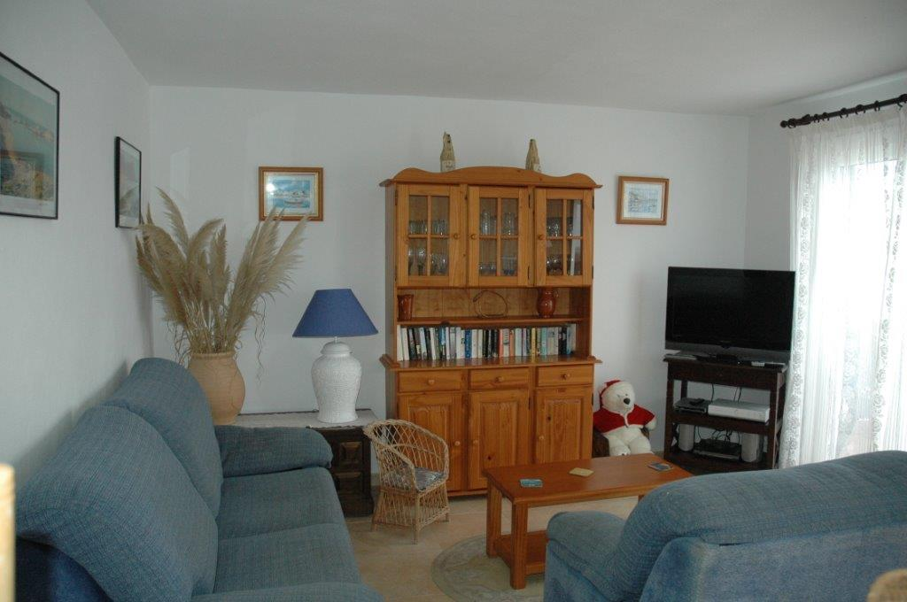 Apartment in Arenal d'en Castell Ref: H2055 11