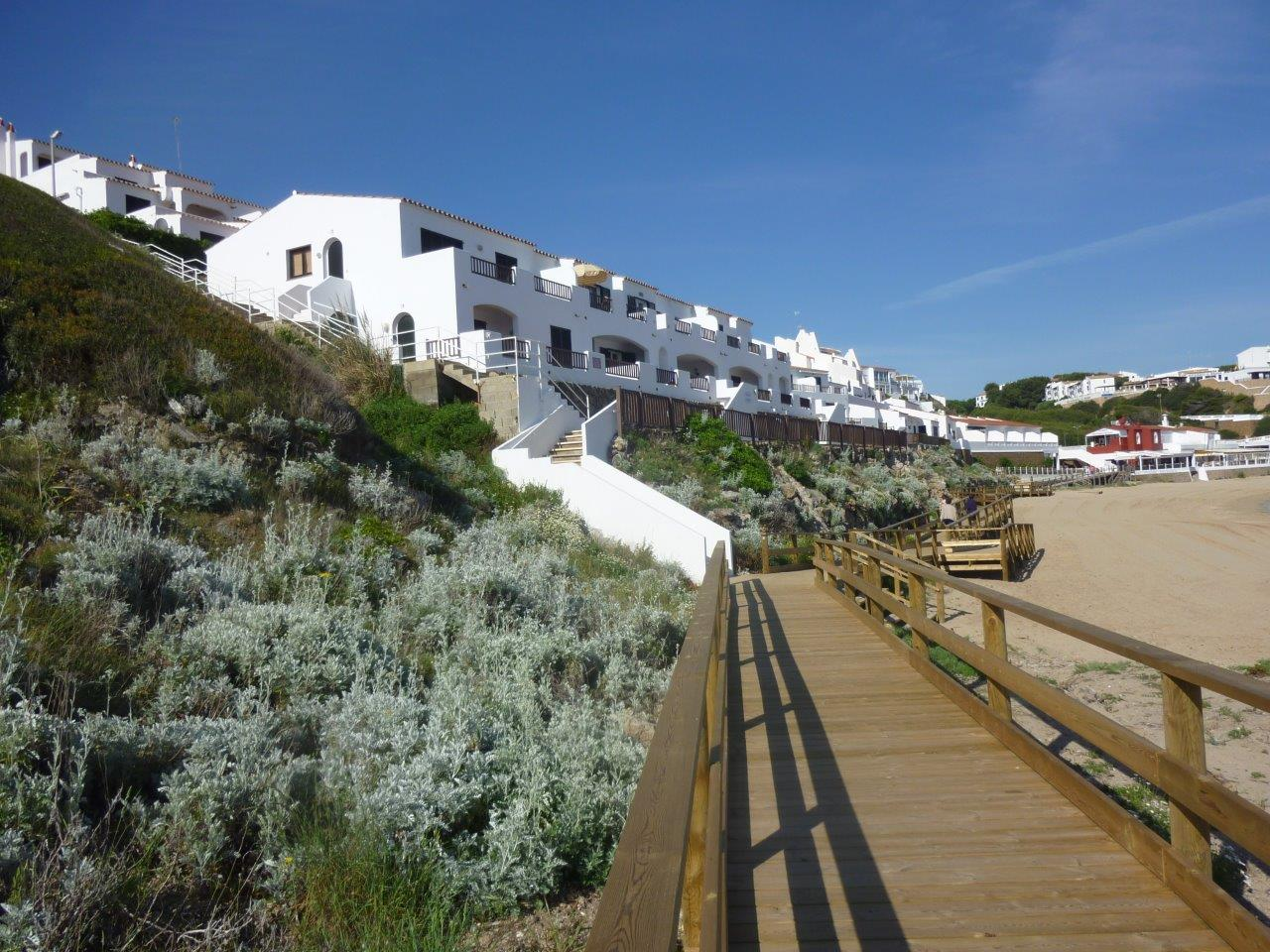 Apartment in Arenal d'en Castell Ref: H2055 10