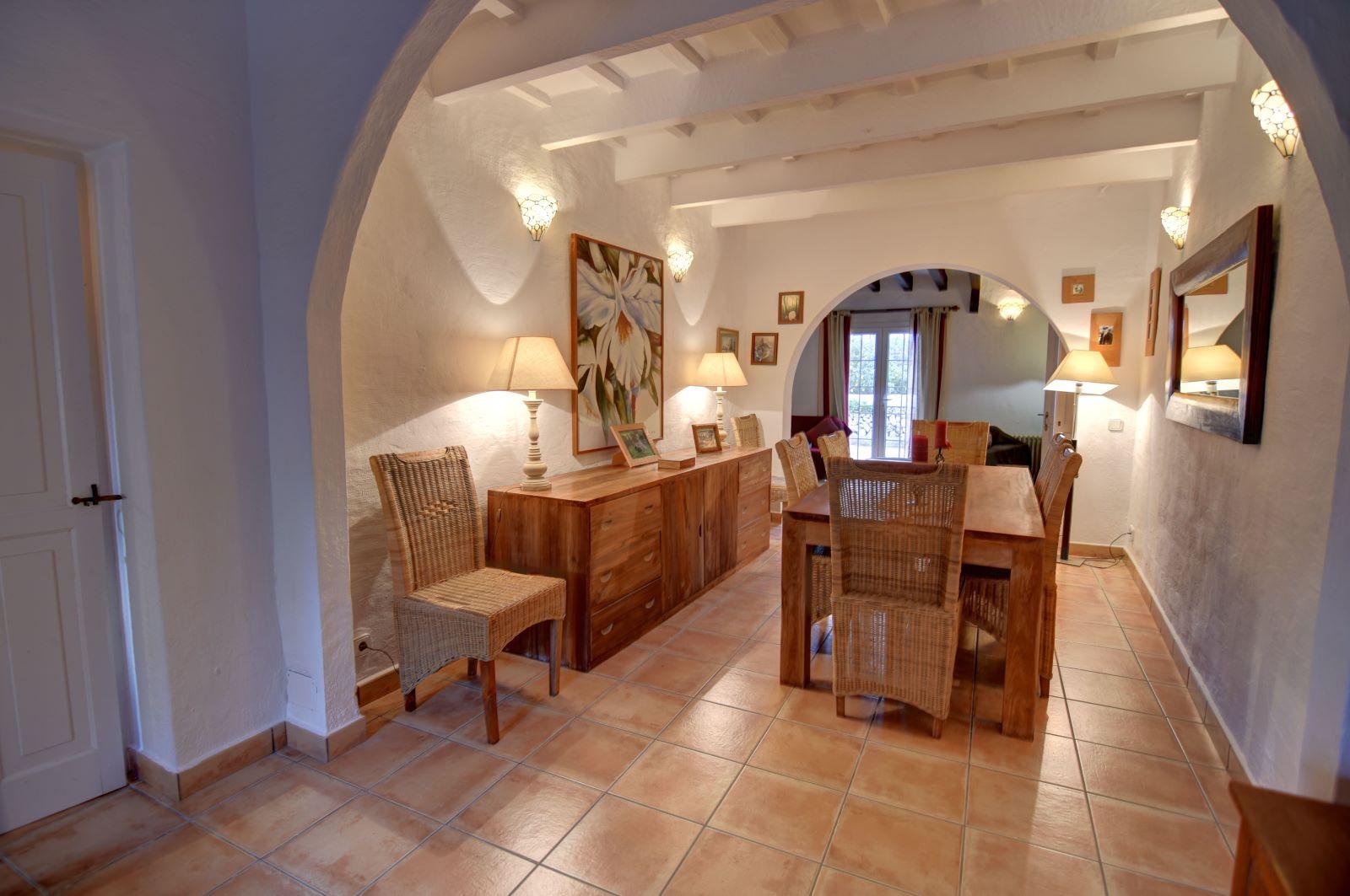 Landhaus in Llucmesanes Ref: H2567 9