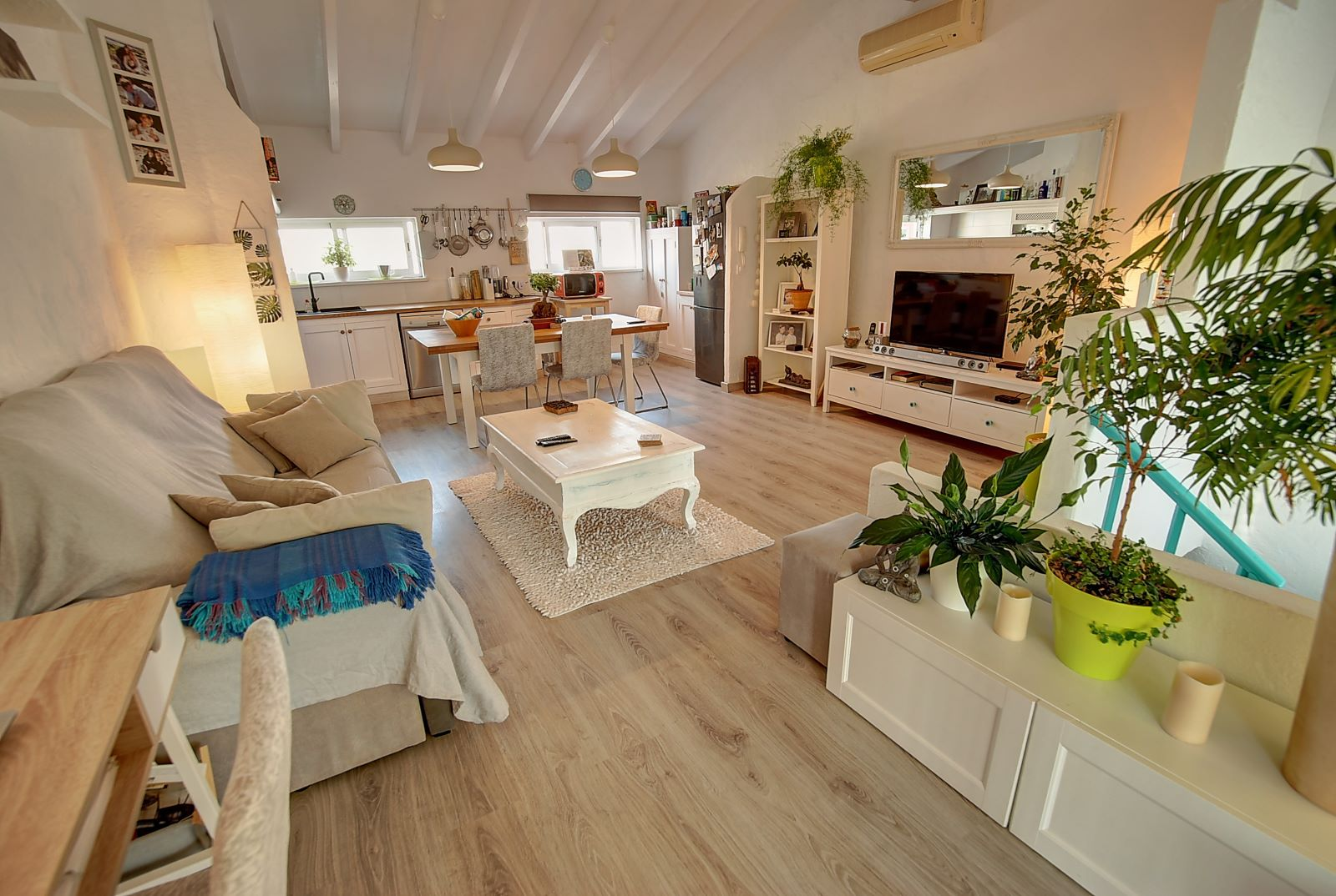 House in Es Castell Ref: H2600 2