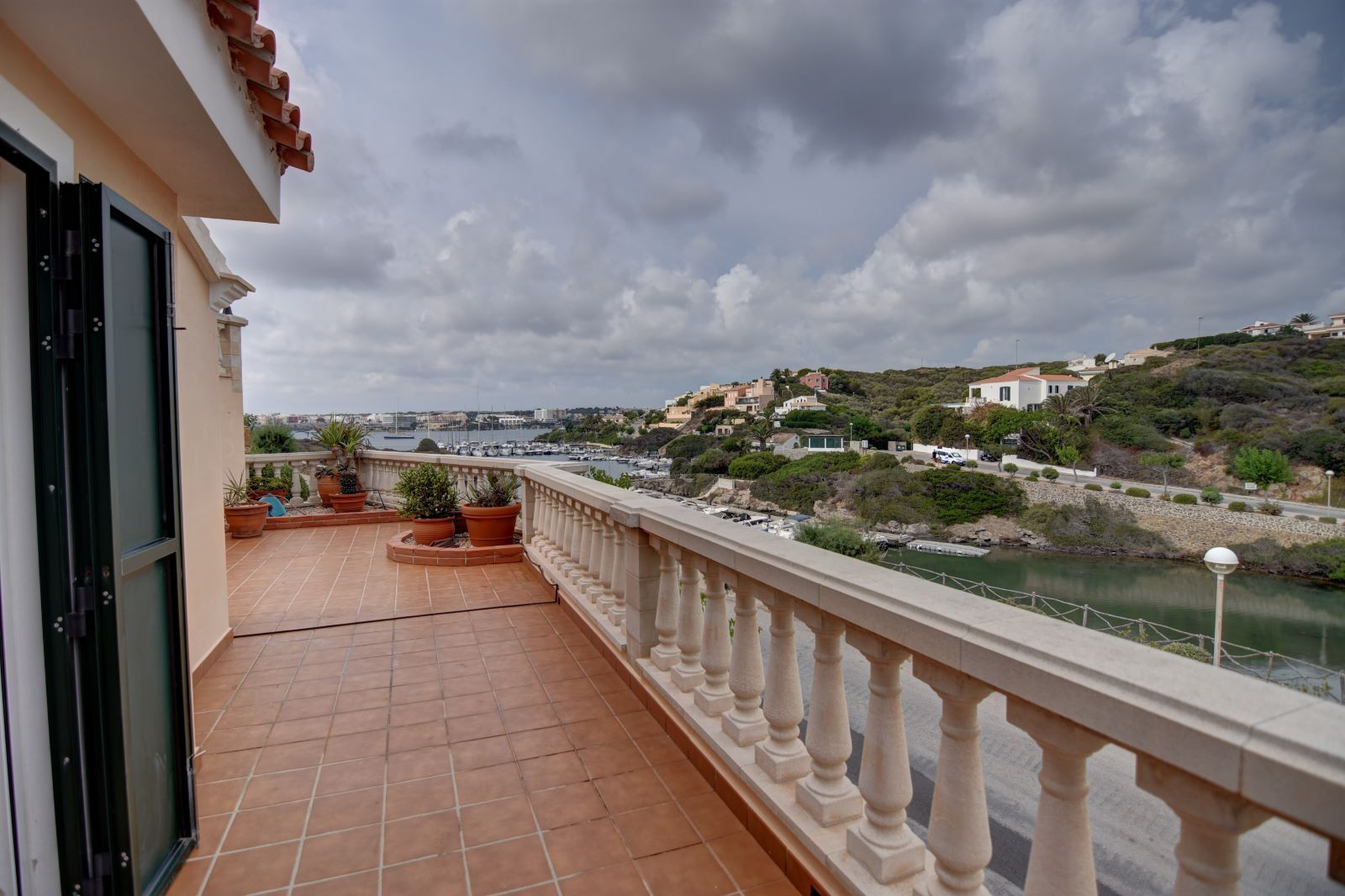Villa in Cala Llonga Ref: H2613 28