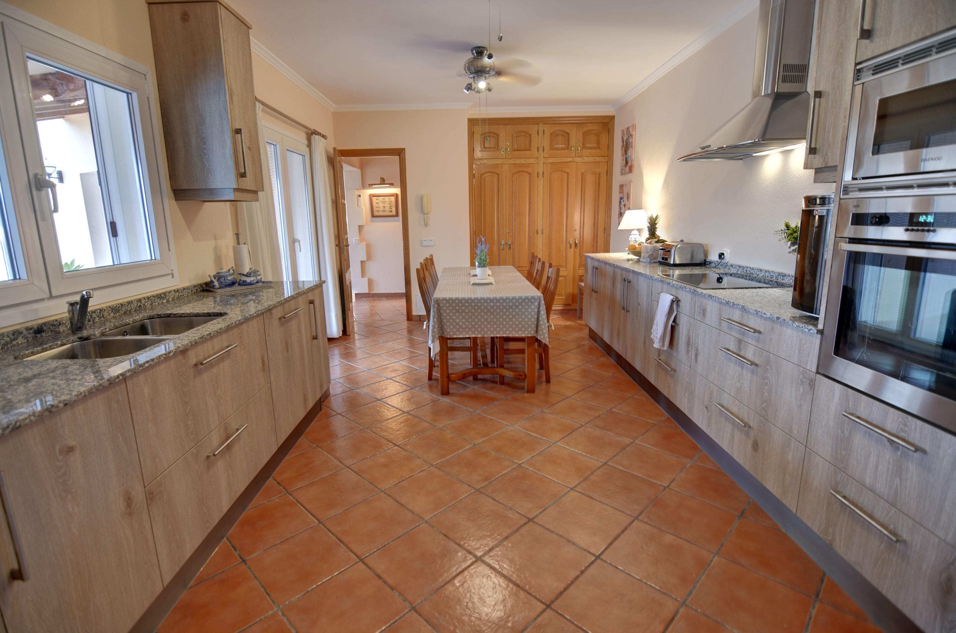 Villa in Cala Llonga Ref: H2613 11