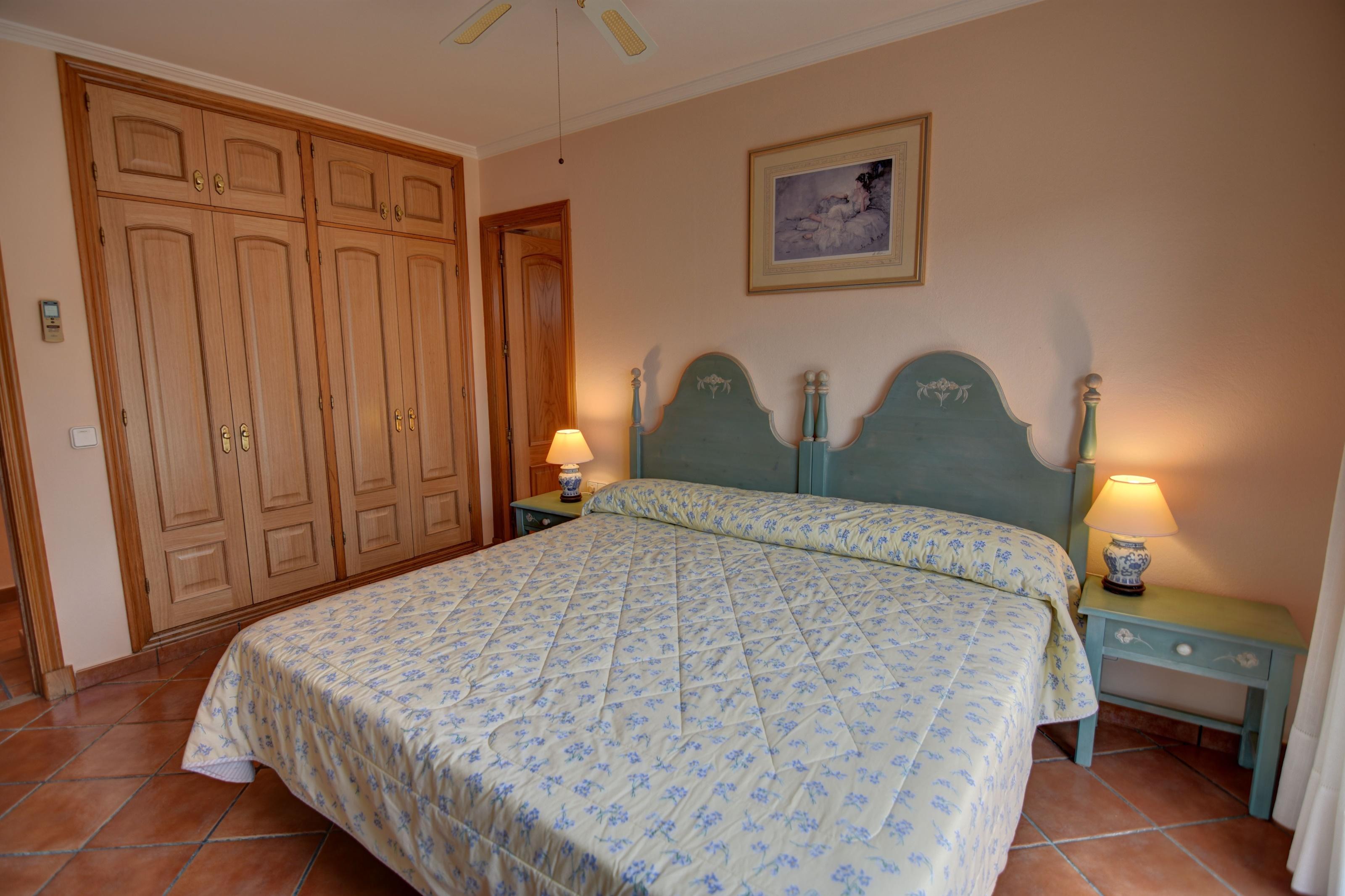 Villa in Cala Llonga Ref: H2613 20