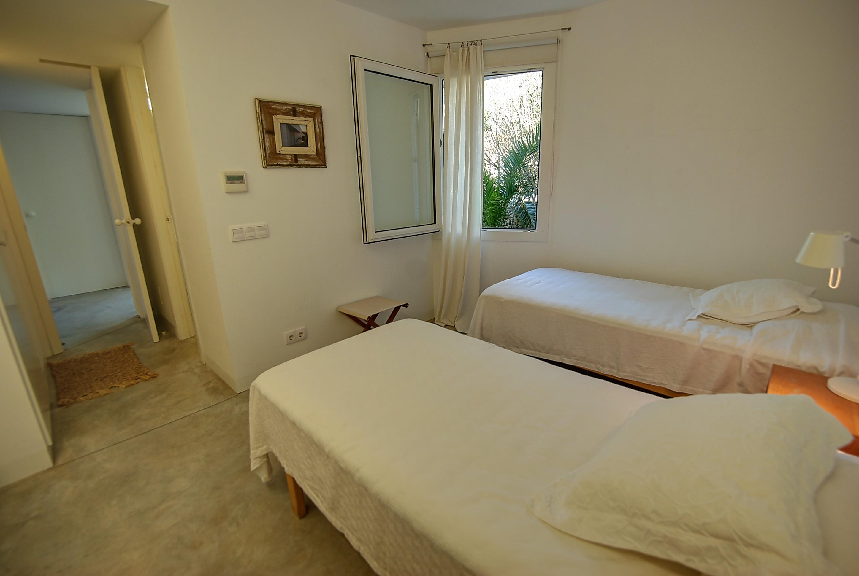 Villa in Addaia Ref: H2667 15
