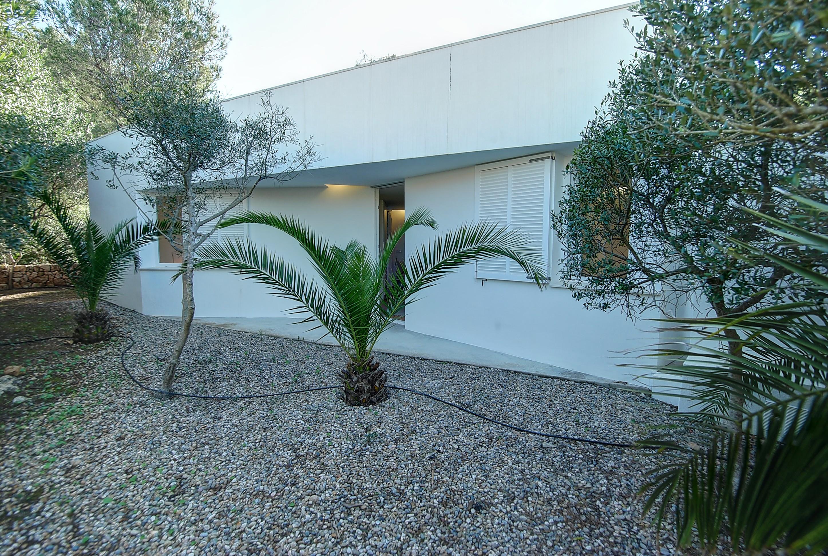 Villa in Addaia Ref: H2667 29
