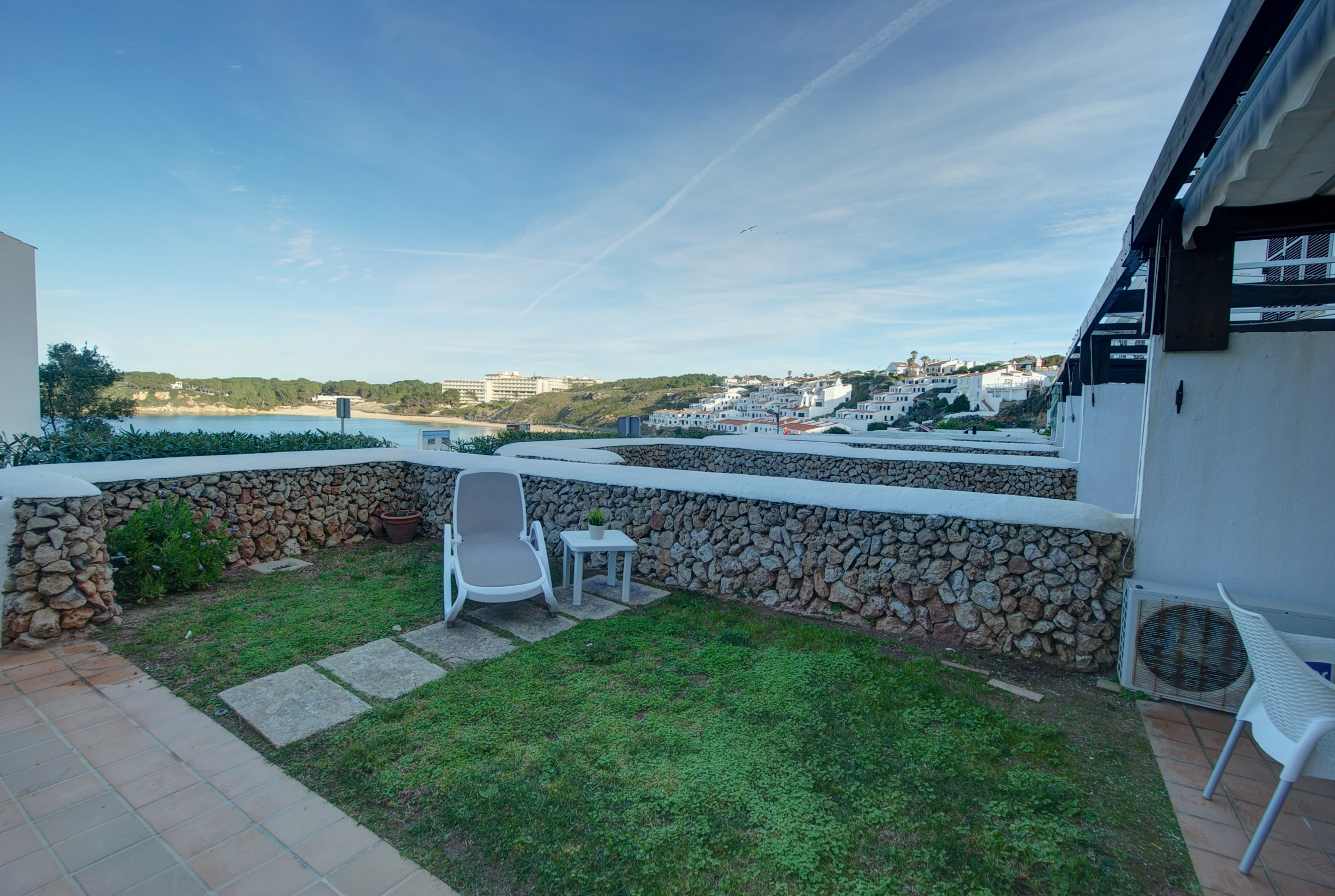 Apartment in Arenal d'en Castell Ref: H2692 15