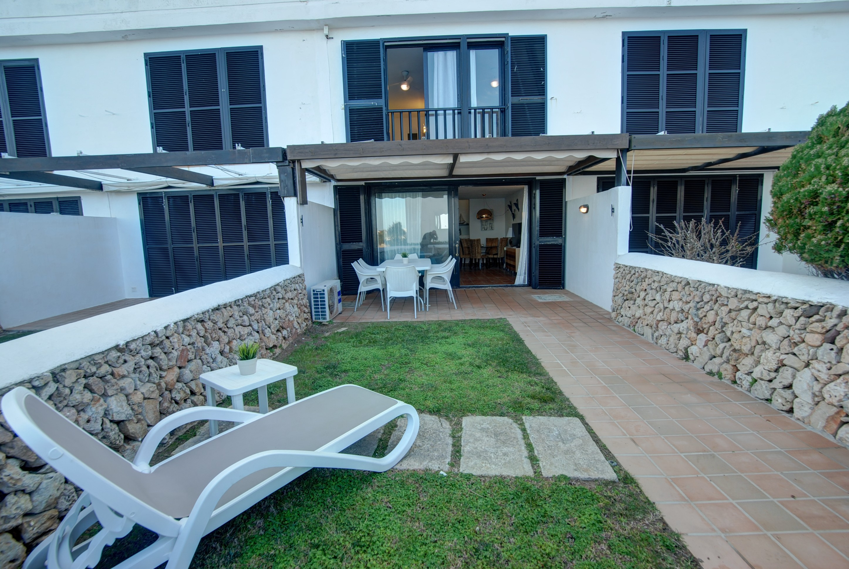 Apartment in Arenal d'en Castell Ref: H2692 16