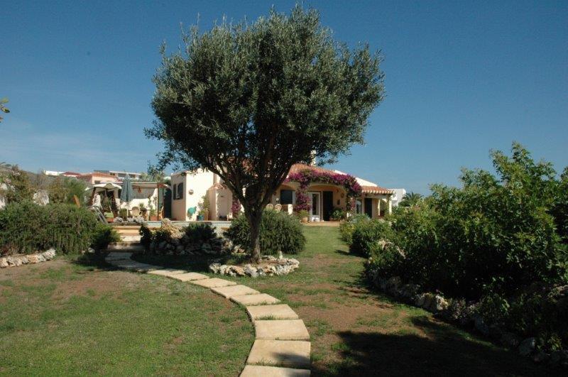 Villa in Cala Llonga Ref: H2088 22