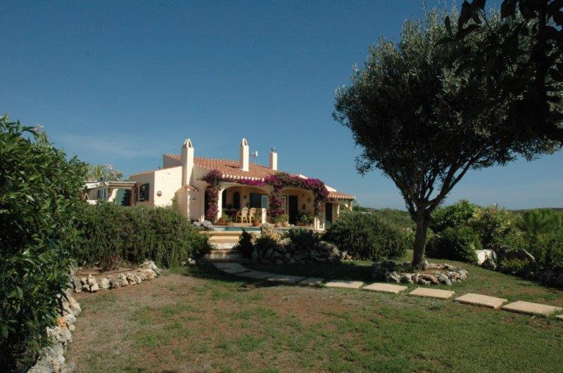 Villa in Cala Llonga Ref: H2088 24
