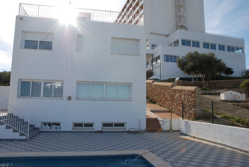 Villa in Arenal d'en Castell Ref: H2091 9