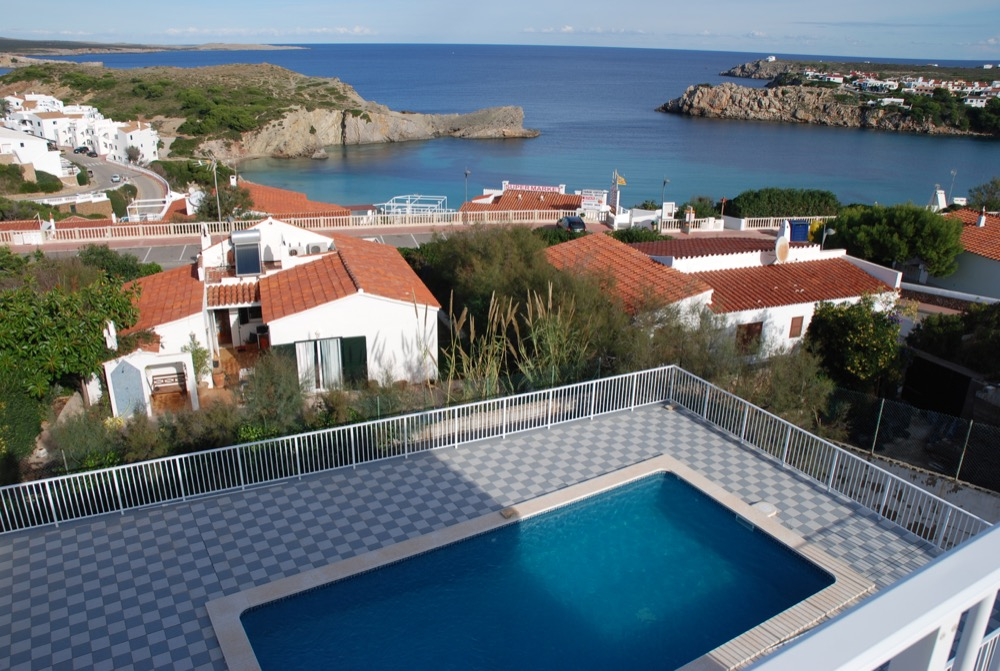 Villa in Arenal d'en Castell Ref: H2091 1