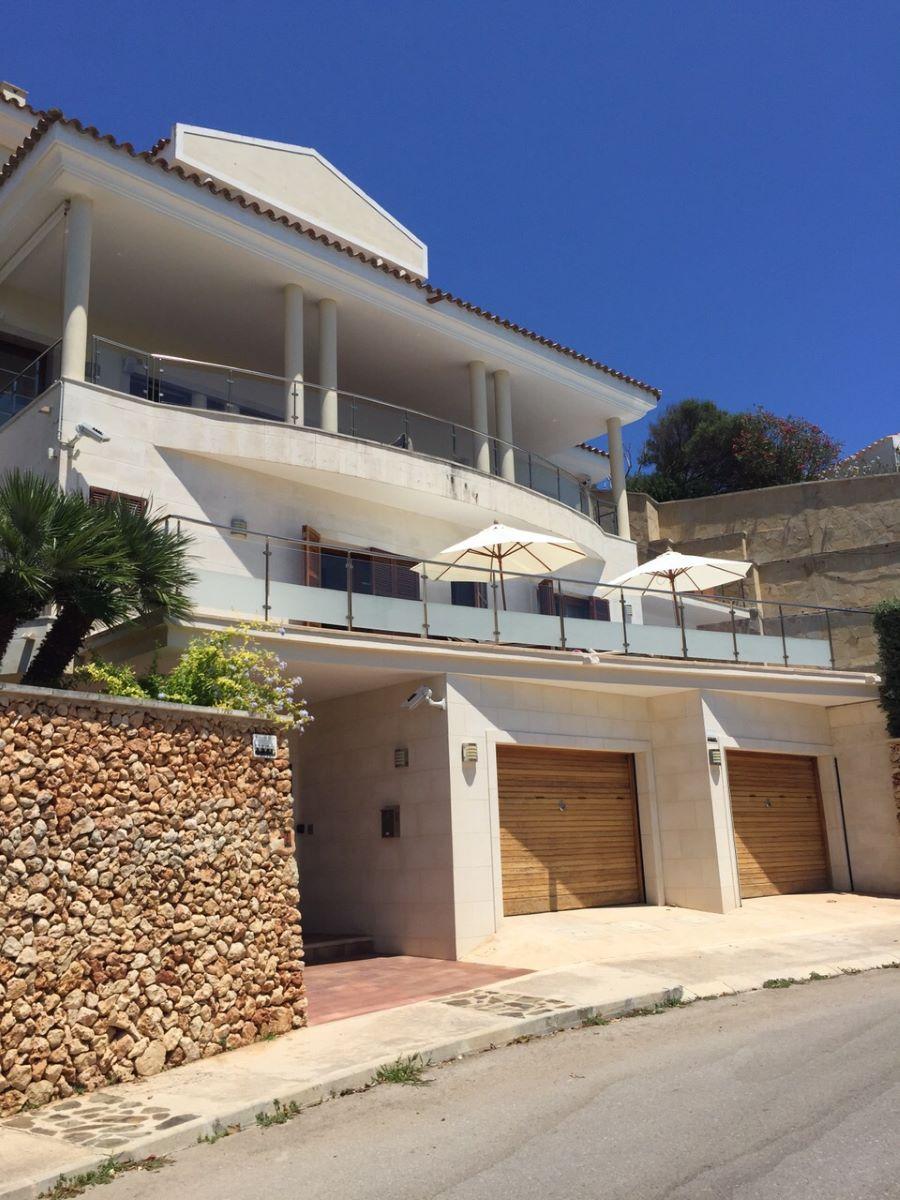 Villa in Cala Llonga Ref: H2201 2