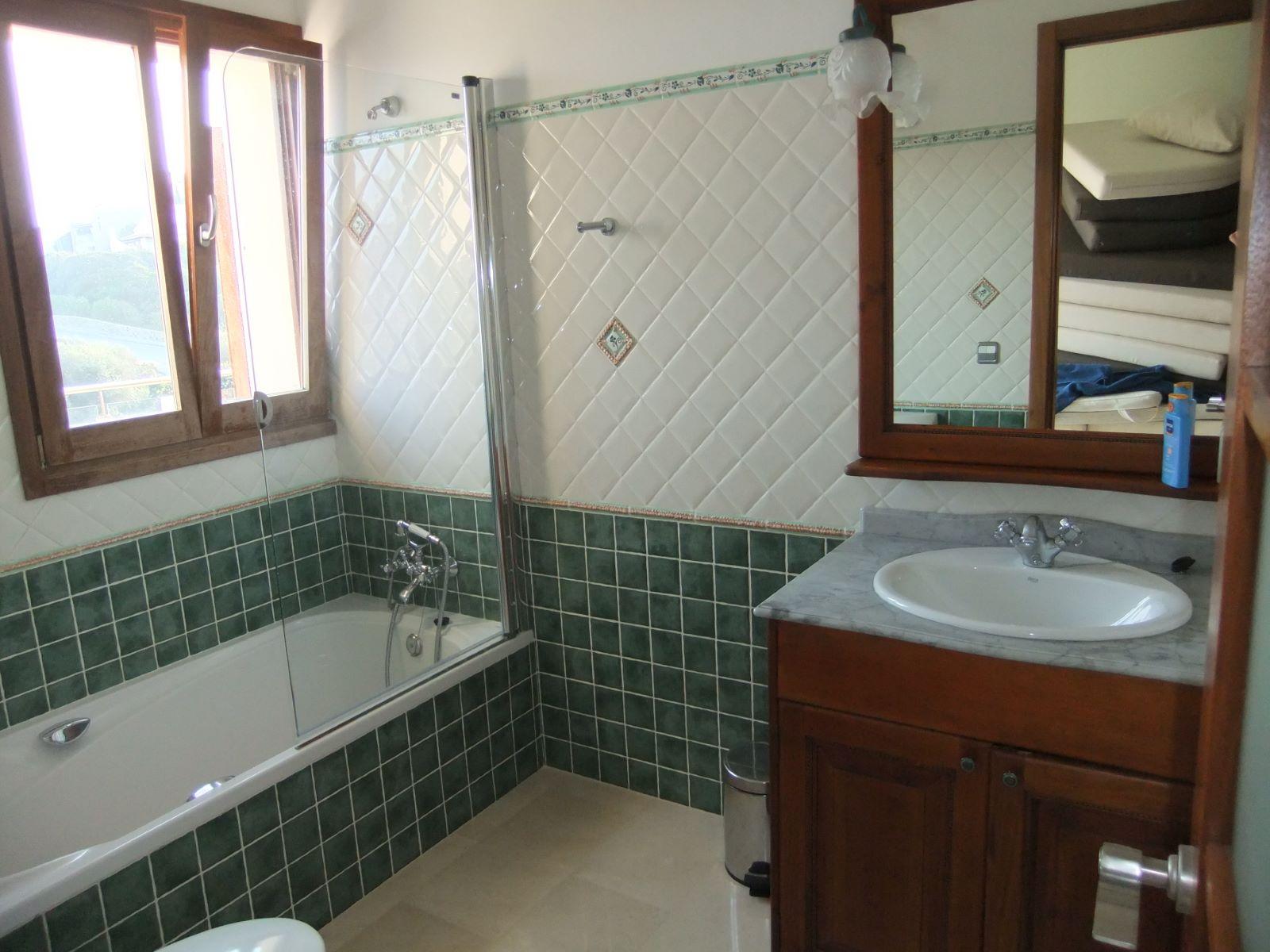 Villa in Cala Llonga Ref: H2201 10