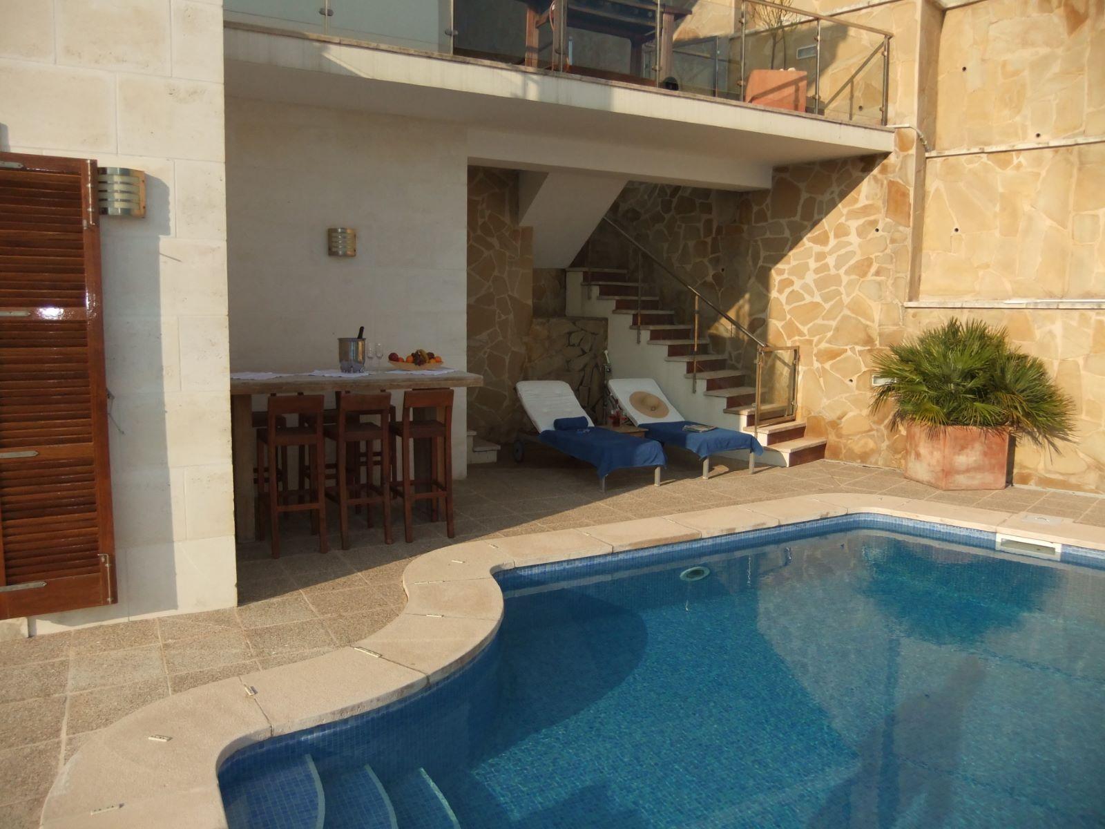 Villa in Cala Llonga Ref: H2201 14