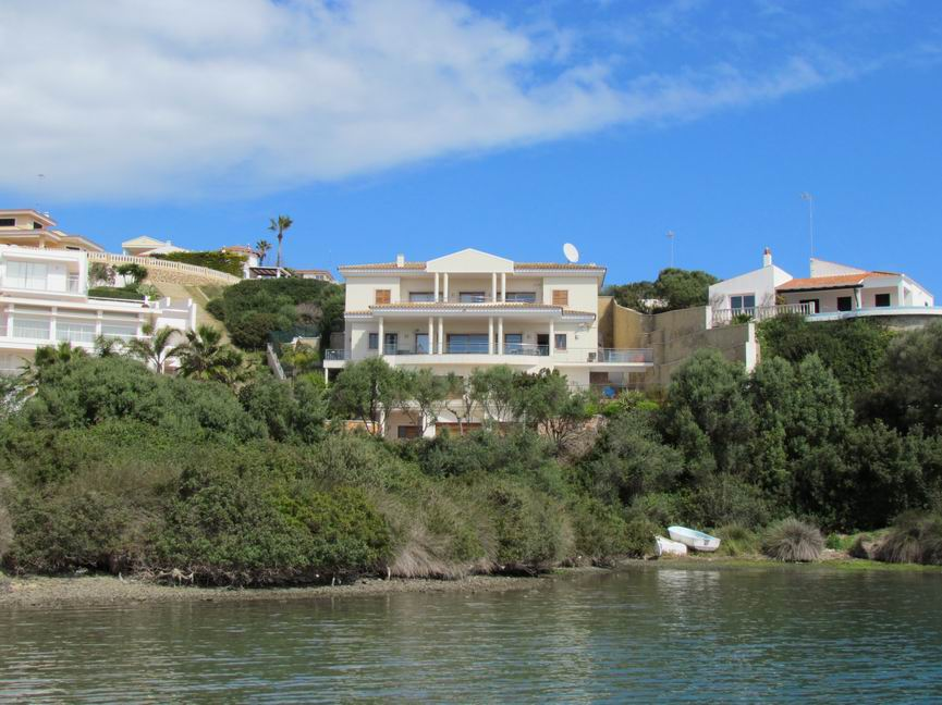 Villa in Cala Llonga Ref: H2201 17