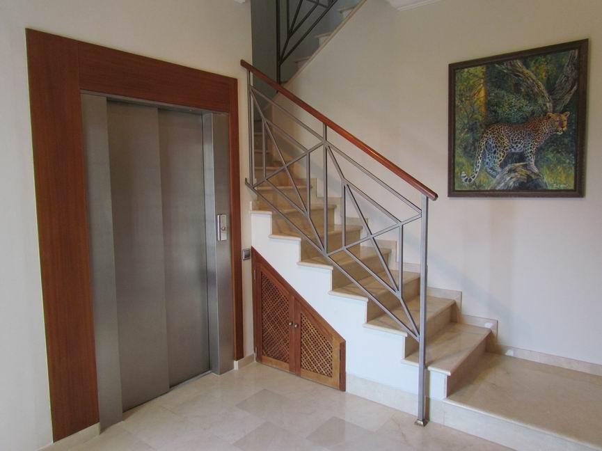 Villa in Cala Llonga Ref: H2201 23