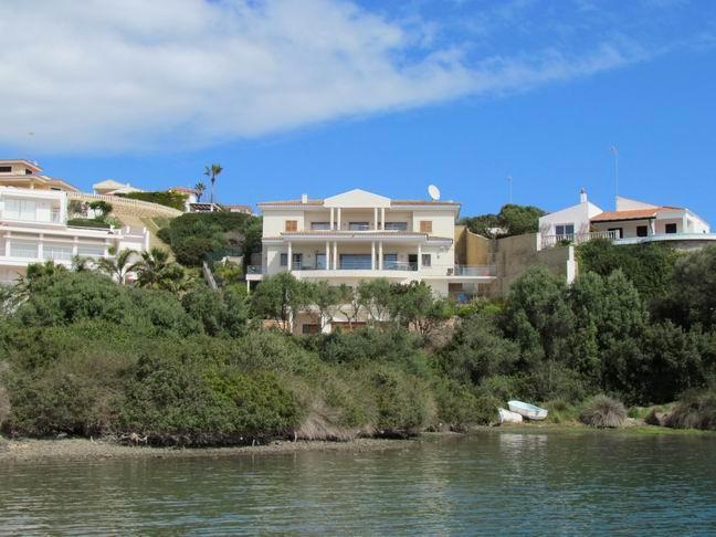 Villa in Cala Llonga Ref: H2201 27