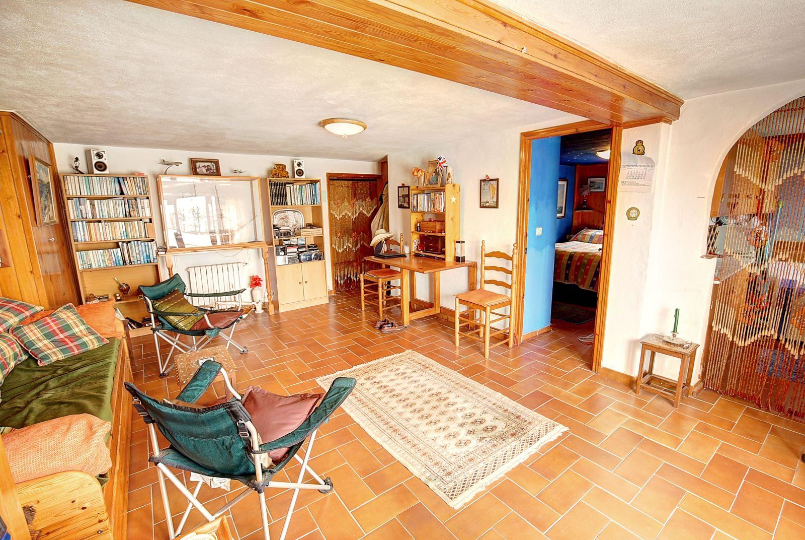 Villa in Cala Llonga Ref: H2309 18