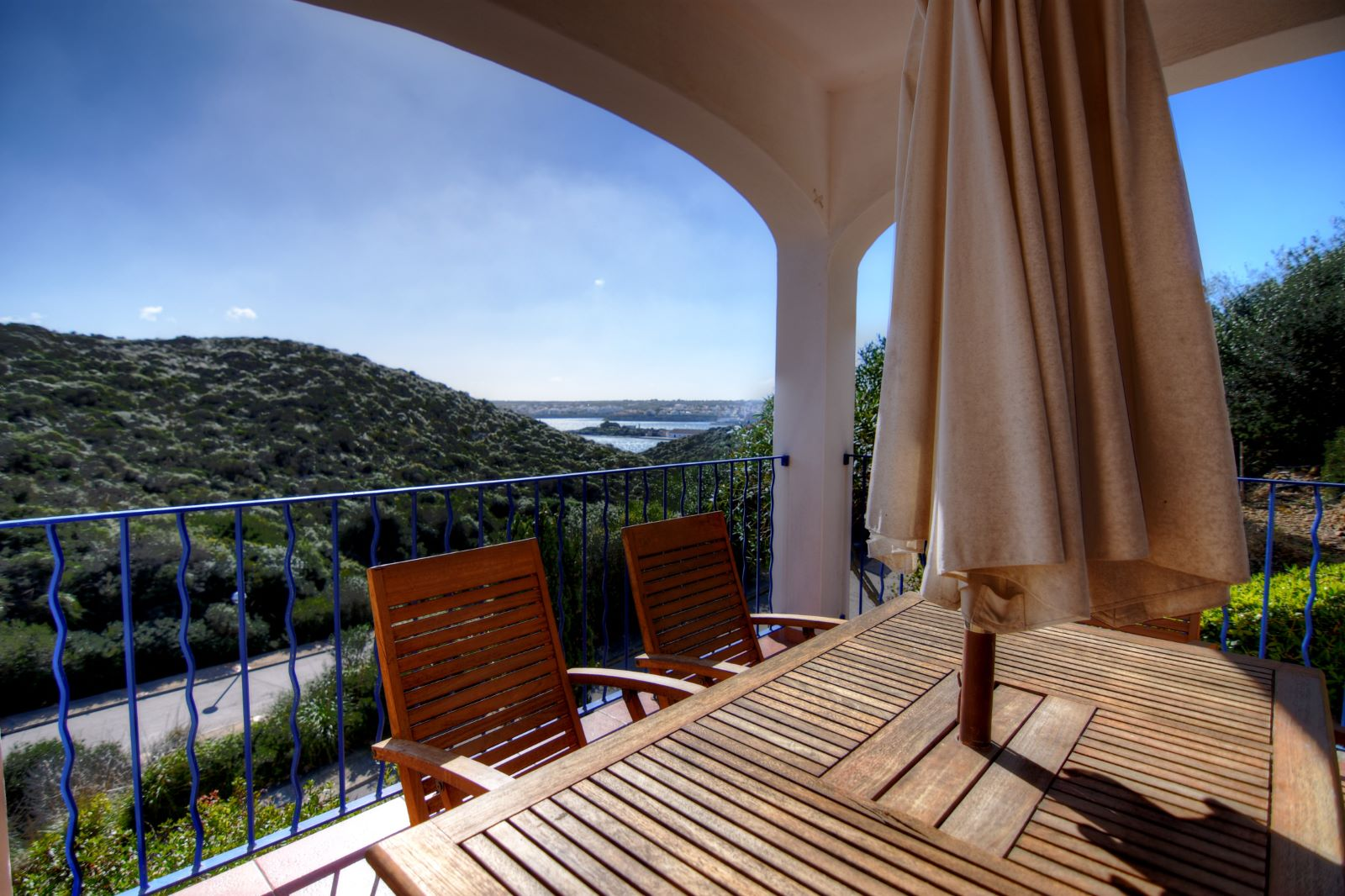 Villa in Cala Llonga Ref: H2311 5