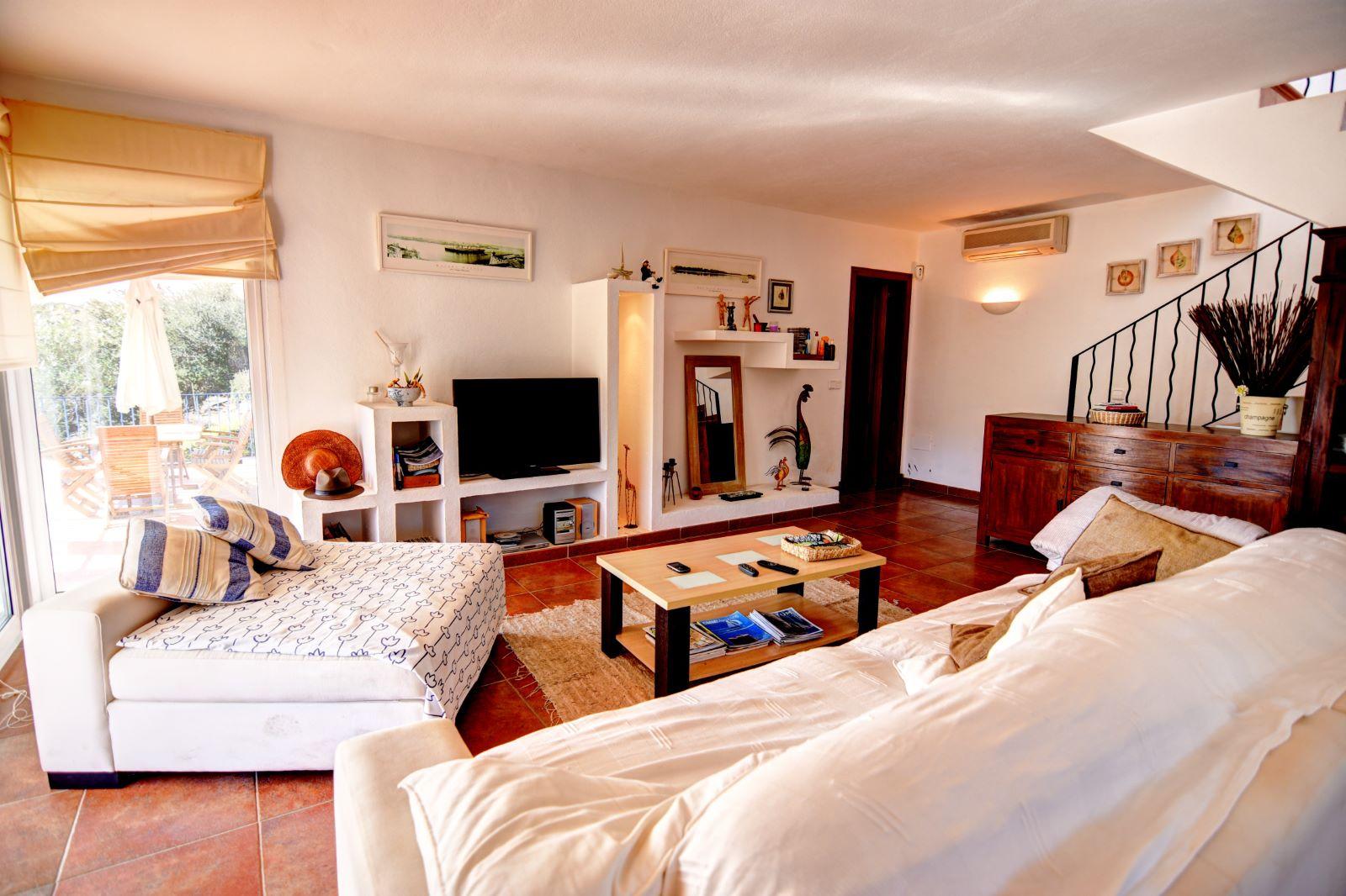 Villa in Cala Llonga Ref: H2311 7