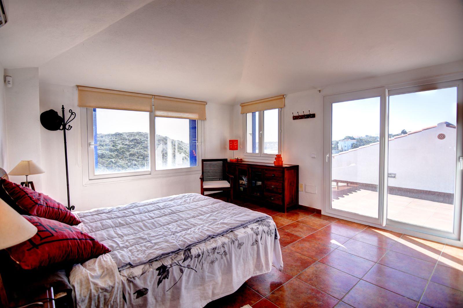 Villa in Cala Llonga Ref: H2311 12