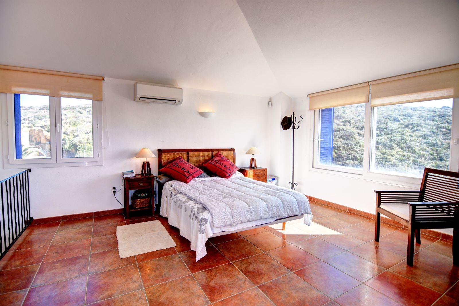Villa in Cala Llonga Ref: H2311 13
