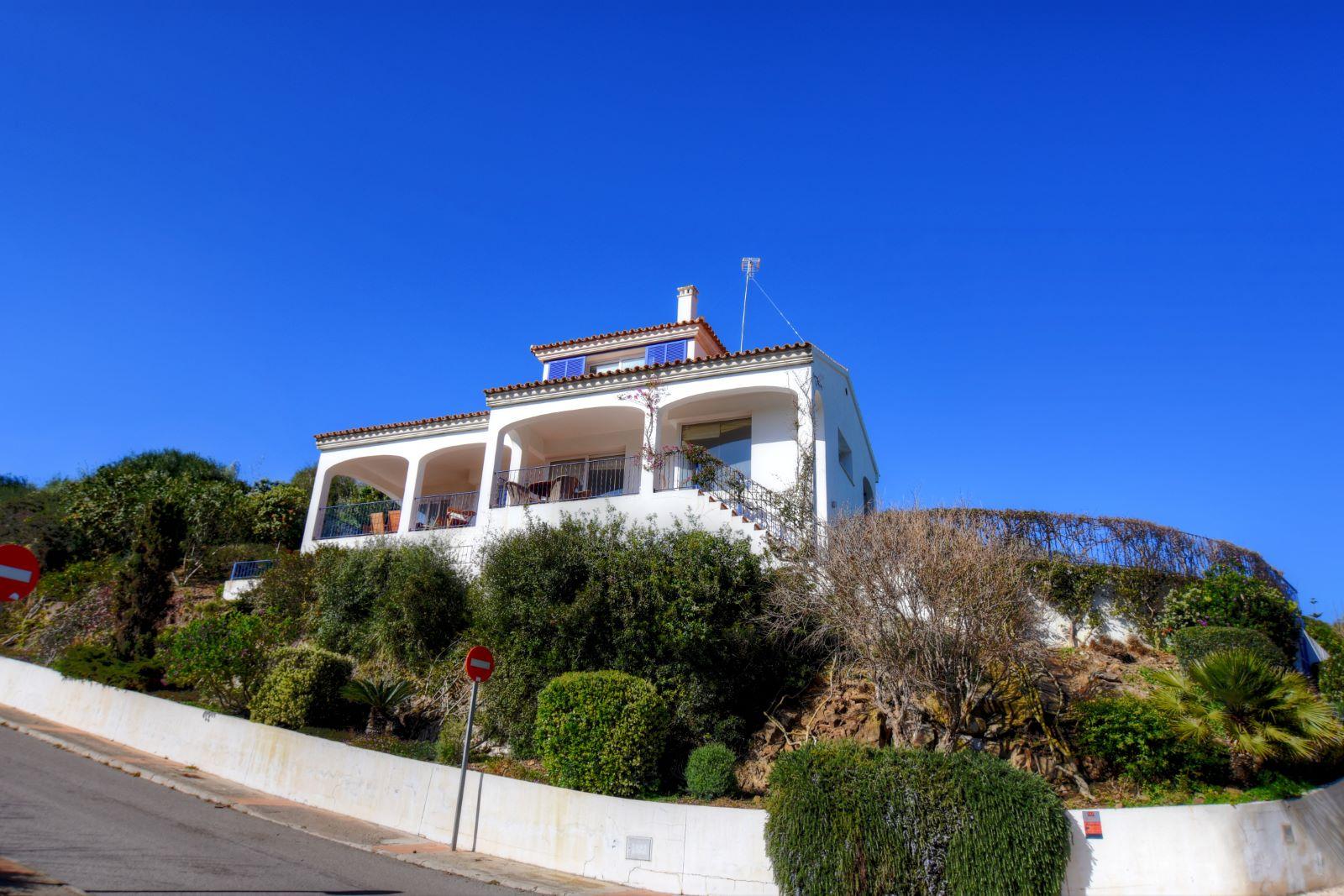 Villa in Cala Llonga Ref: H2311 22