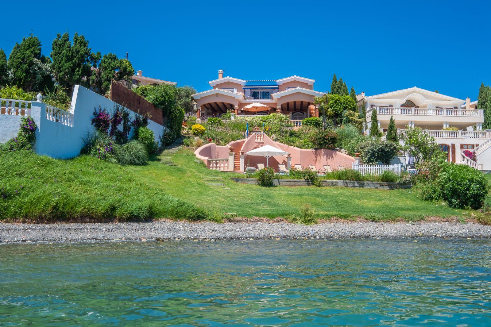 Villa in Cala Llonga Ref: H2334 4