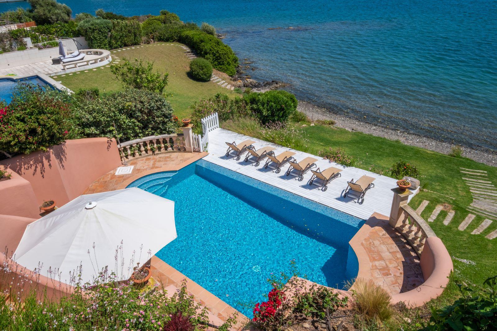 Villa in Cala Llonga Ref: H2334 5