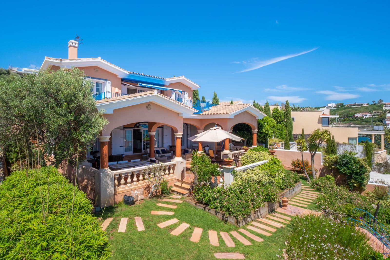 Villa in Cala Llonga Ref: H2334 6