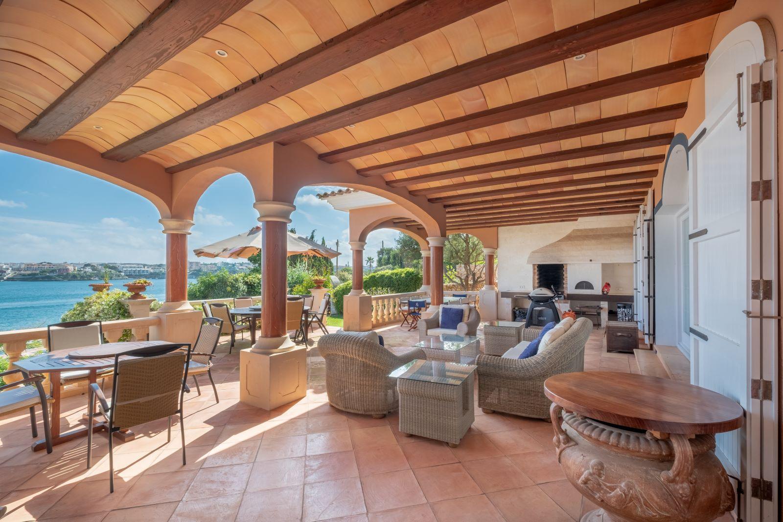 Villa in Cala Llonga Ref: H2334 11