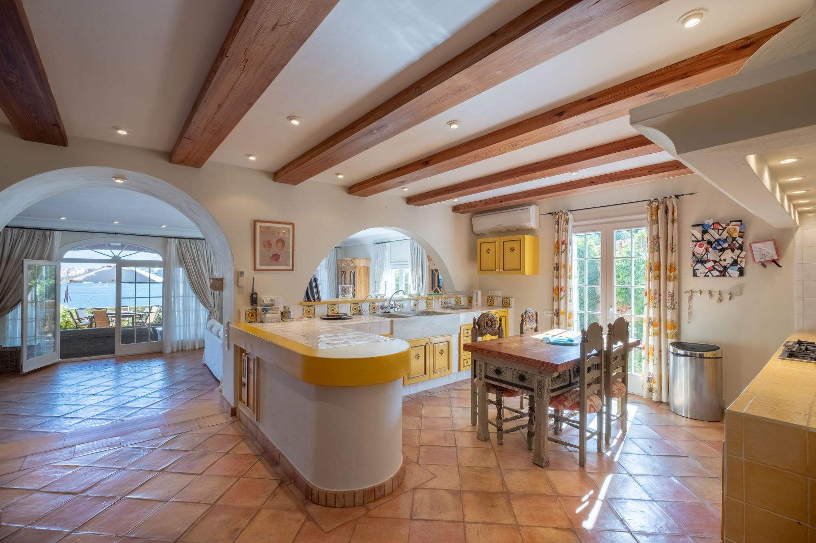 Villa in Cala Llonga Ref: H2334 17