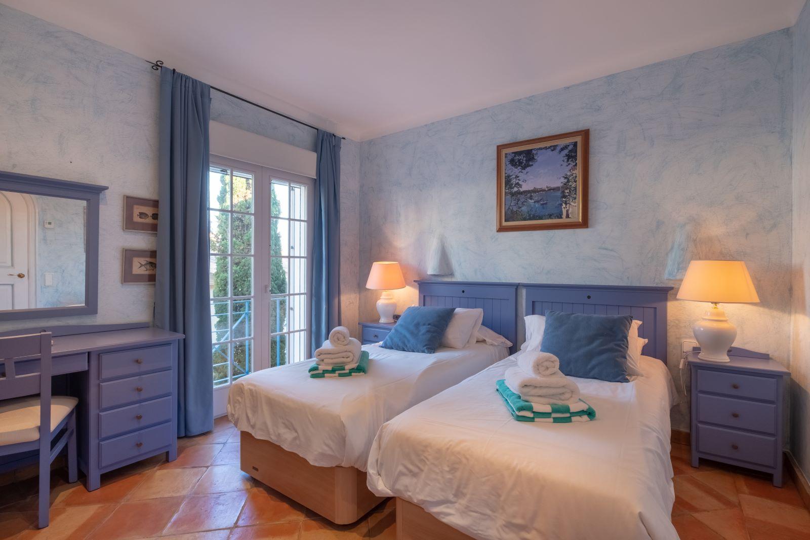 Villa in Cala Llonga Ref: H2334 26