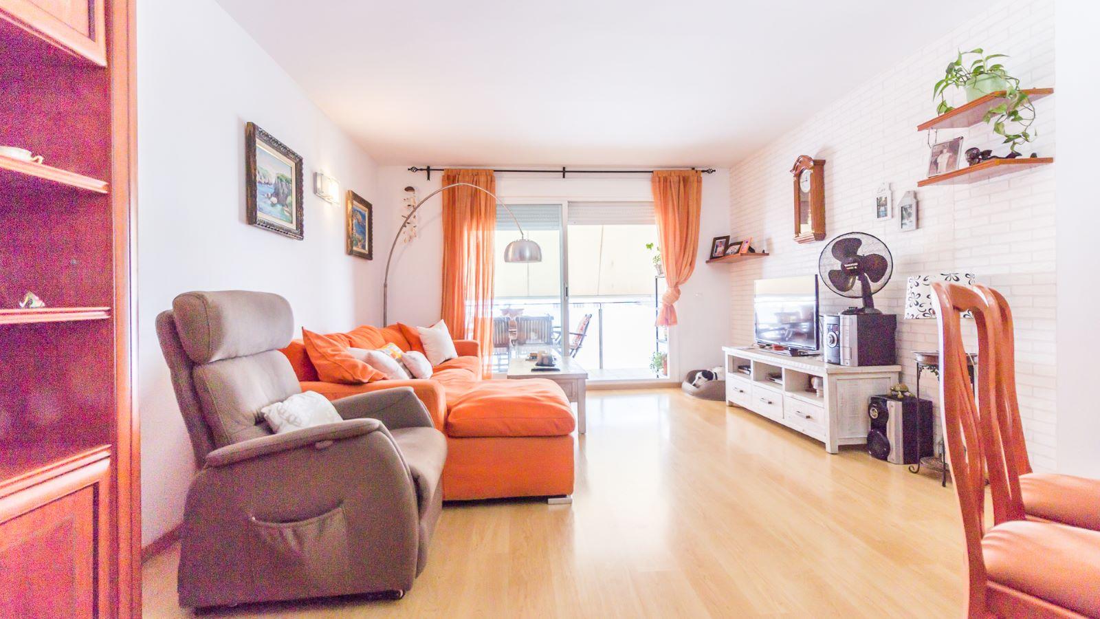 Flat in Zona Vives Llull Ref: HM2359 1