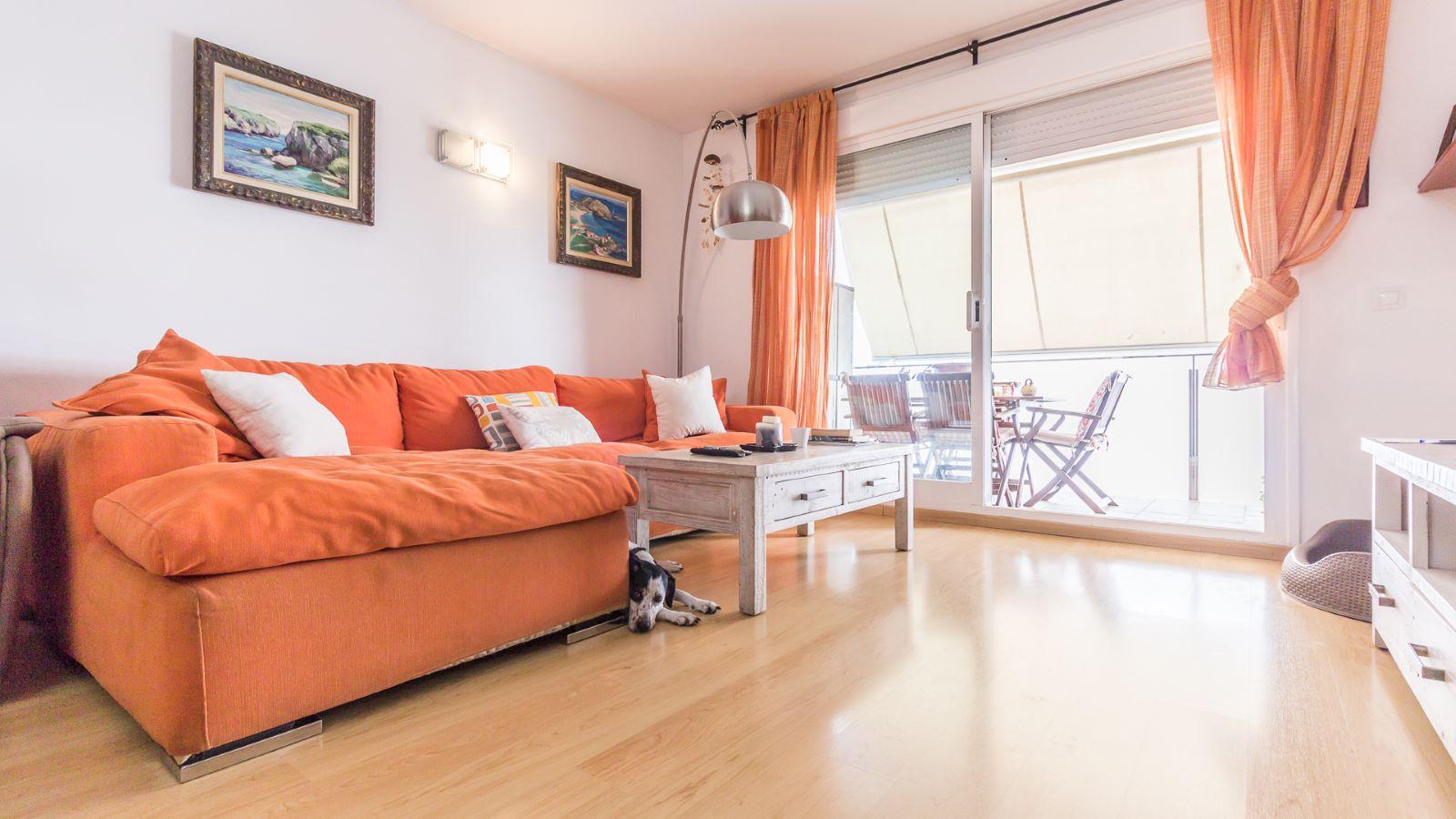 Flat in Zona Vives Llull Ref: HM2359 2