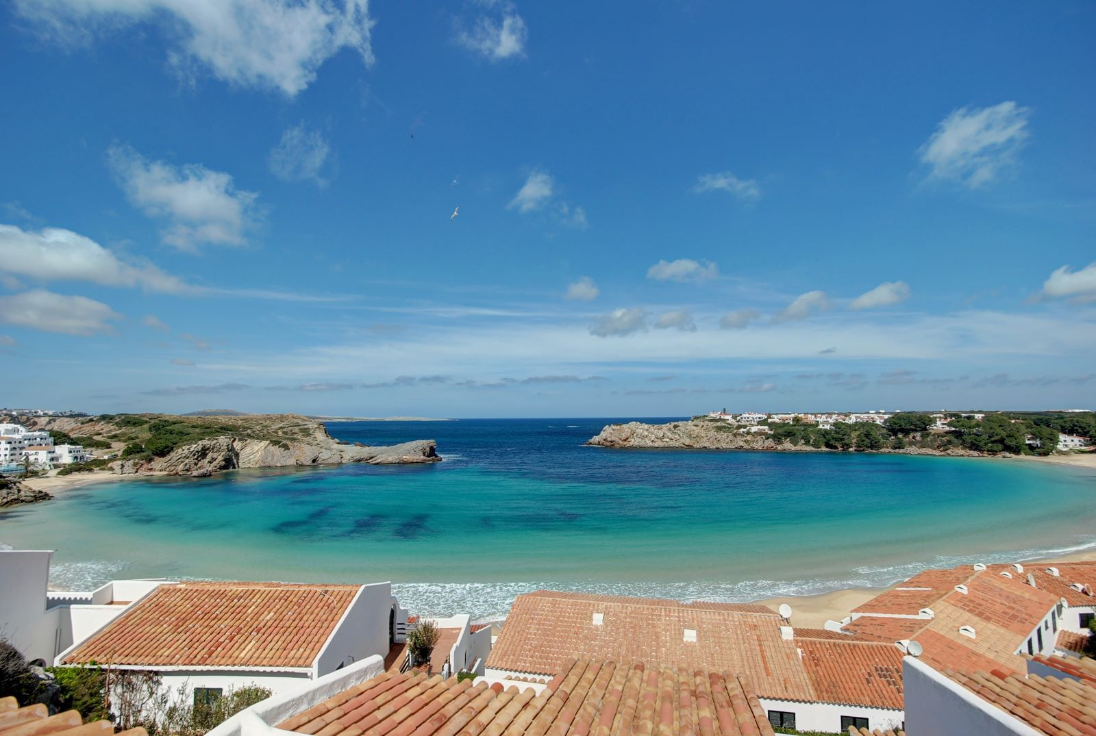 Apartment in Arenal d'en Castell Ref: H2387 16