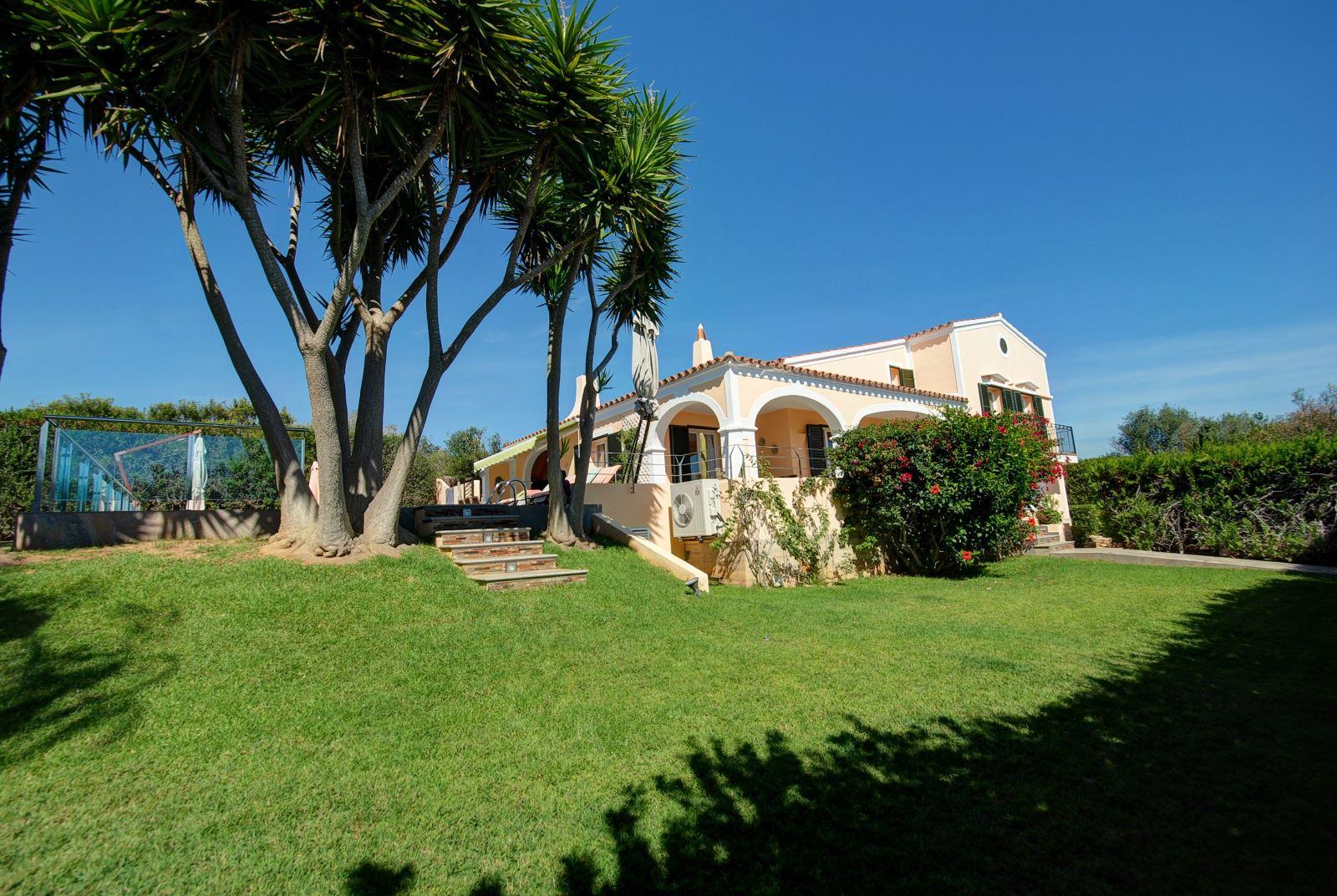 Villa in Punta Prima Ref: H2392 1