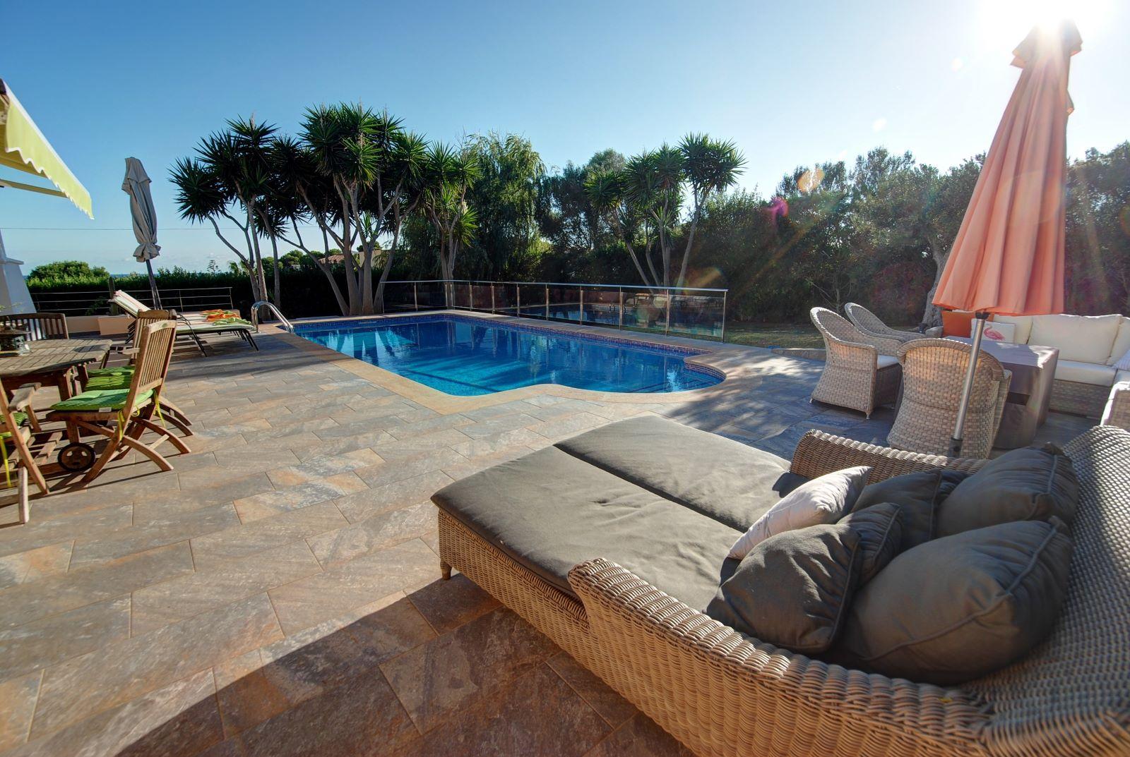 Villa in Punta Prima Ref: H2392 2