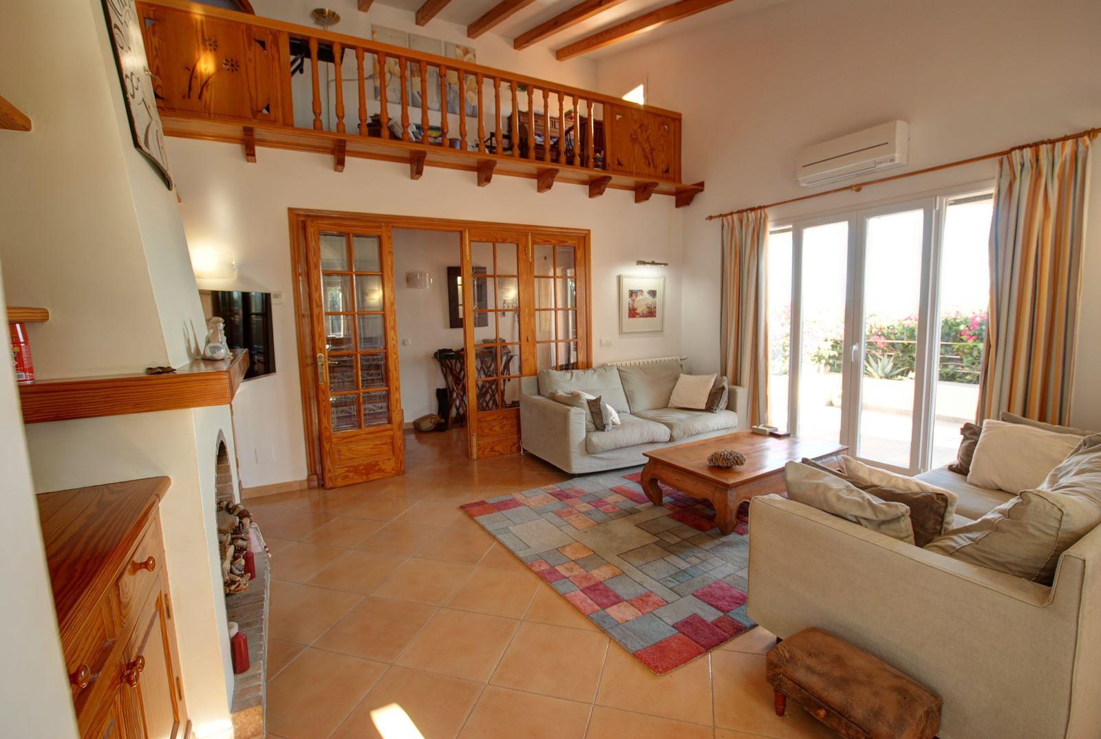 Villa in Punta Prima Ref: H2392 11
