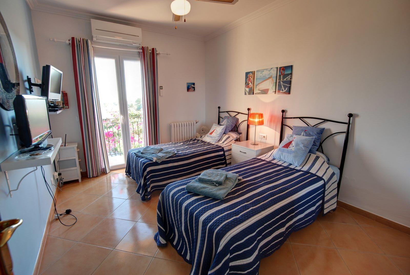 Villa in Punta Prima Ref: H2392 15