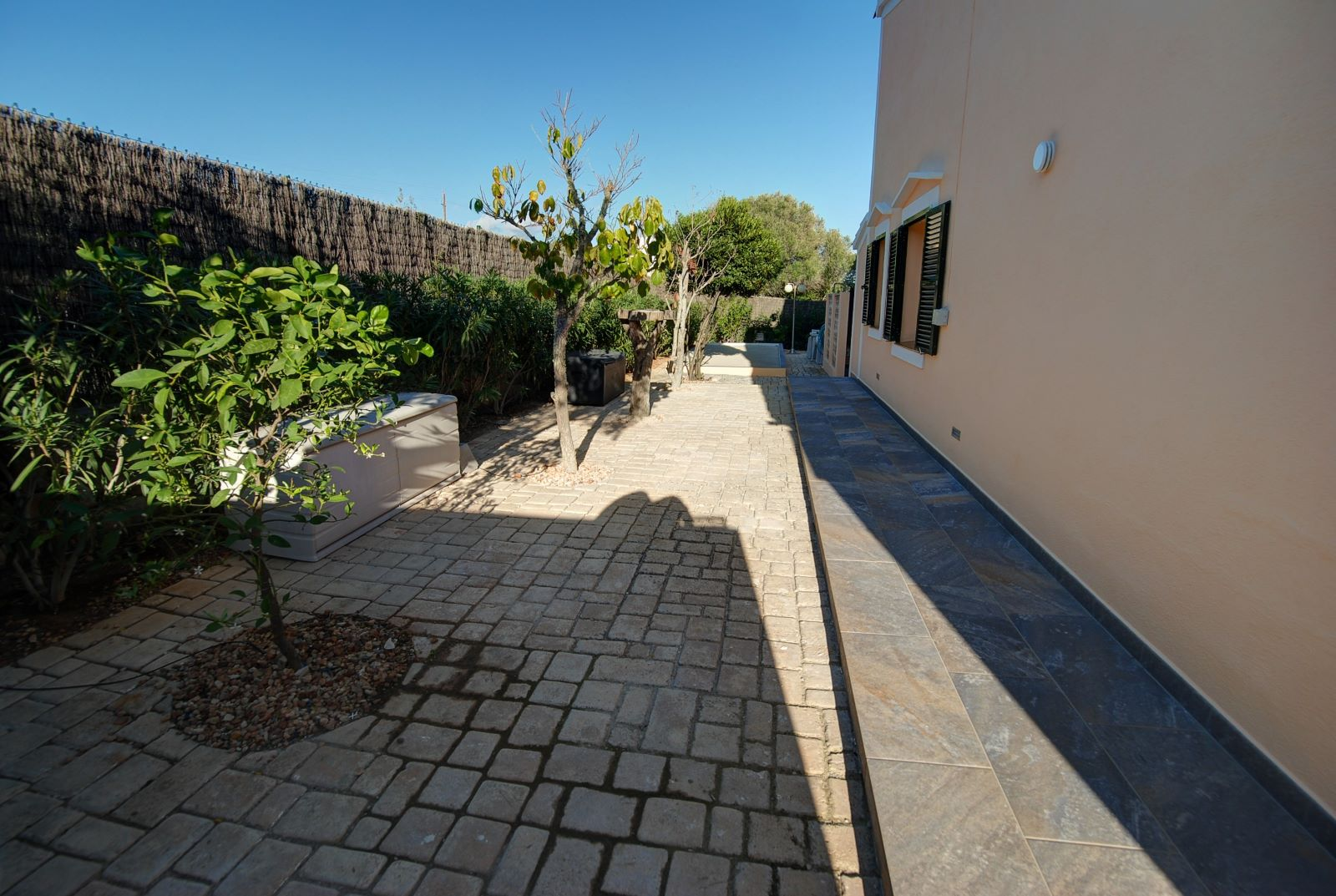 Villa in Punta Prima Ref: H2392 23