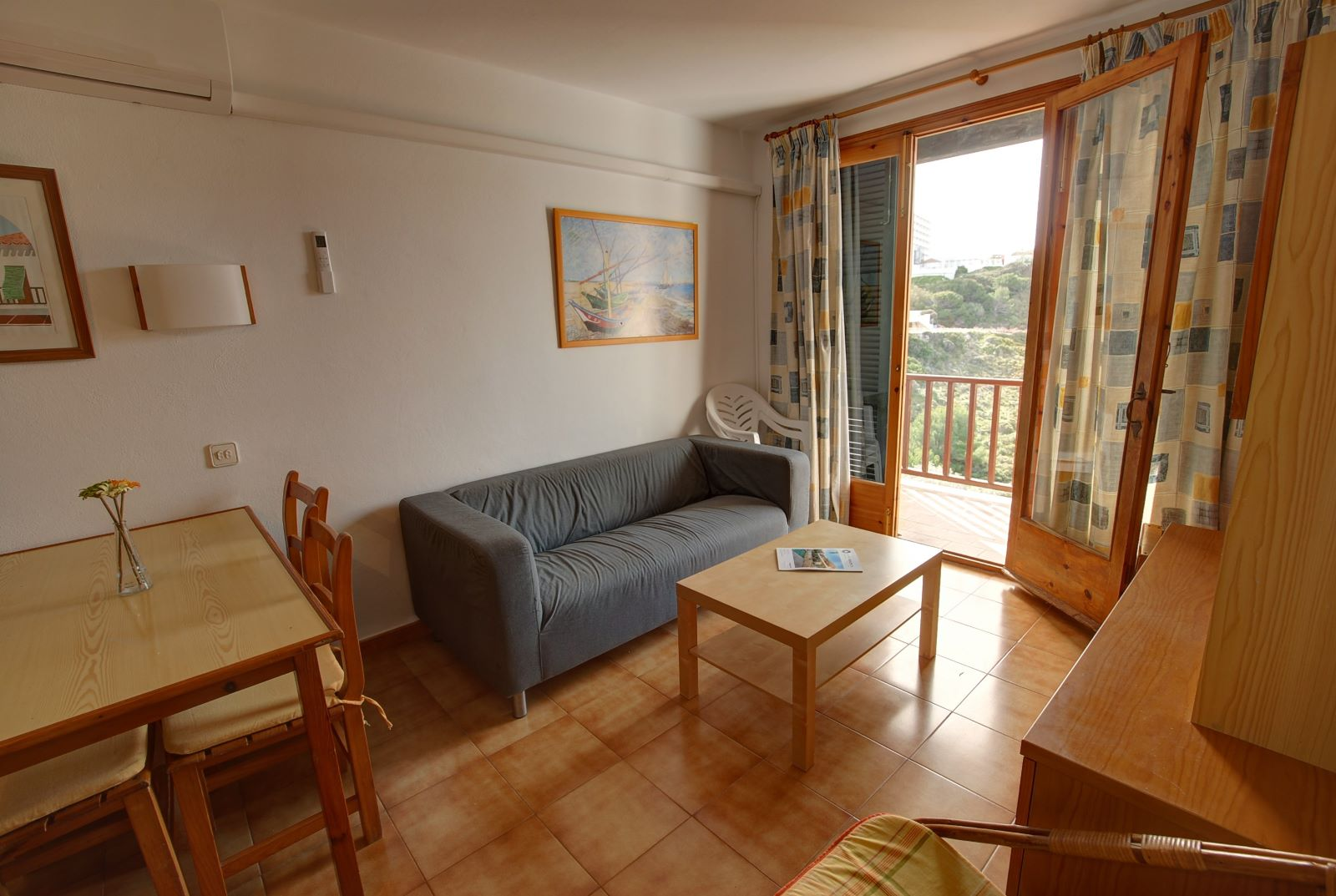 Apartment in Arenal d'en Castell Ref: H2451 7
