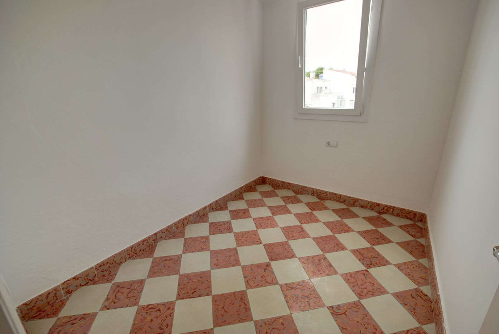 House in Mahón Ref: H2503 11